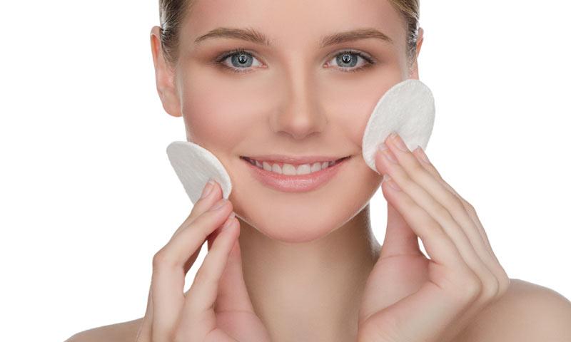 Una limpieza suave y sin sulfatos, el primer paso para una piel cuidada (Marzo 2017)